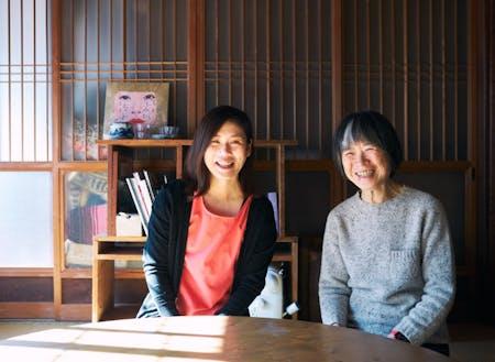 豊岡まち塾メンバーの一部。シェアスペース「コトブキ荘」にて(左:コトブキ荘管理人でもあるプロジェクト作成者)