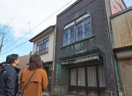 まちなかにはレトロな建物も。通称:うろこの家