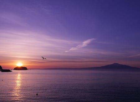 飛島から見る朝日