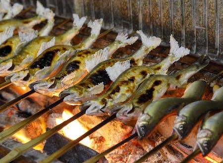 町の特産のあゆ 夏にはおいしいアユが食べられます