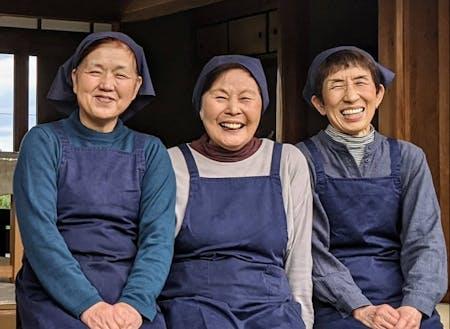 レストランでは自分たちで作った伝統野菜を中心に地域に伝わる里山料理を調味料から手作りで提供しています。