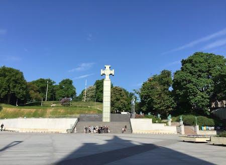 エストニアの空は、日本の空より少しだけ色が優しいです