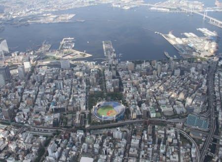 横浜スタジアムや大さん橋、中華街など多様な顔を持つ関内周辺