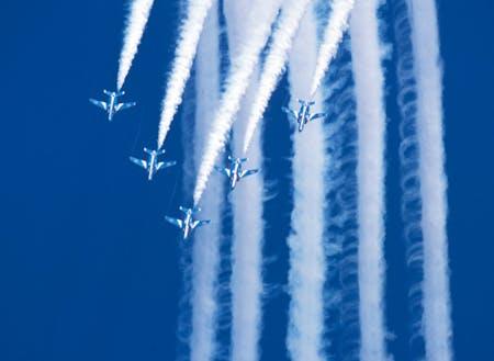 航空自衛隊松島基地 ブルーインパルス訓練飛行は日常