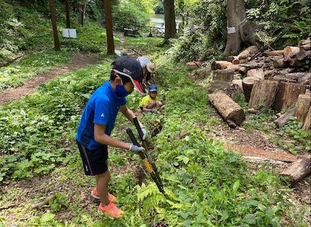 子どもから大人まで参加して活動しています。