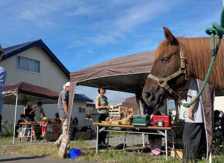 コロナ禍を縫って行われた、朝ご飯の会。道産子馬のハナちゃんも登場していい雰囲気!