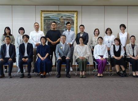 移住サポーター委嘱式の様子(福井県知事とサポーターの皆様)