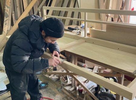 木製の家具造りで町おこし