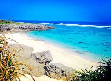 サンゴ礁の美しいビーチは、いつも貸し切り状態