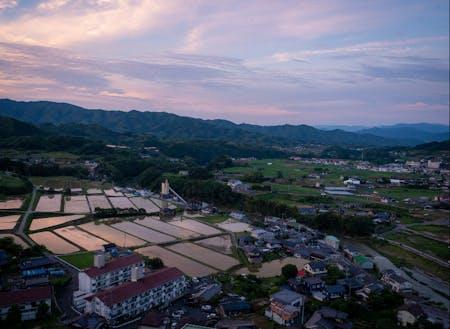 野村町の愛宕山公園の展望台からみる町の風景