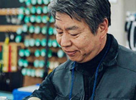 「鞄作りは面白い!楽しい!」と語る講師の森田先生