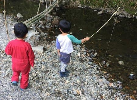 自然が子ども達の遊び場です。山、畑、小川、池…様々なフィールドを使って自分にしかできない「何か」に挑戦しませんか?
