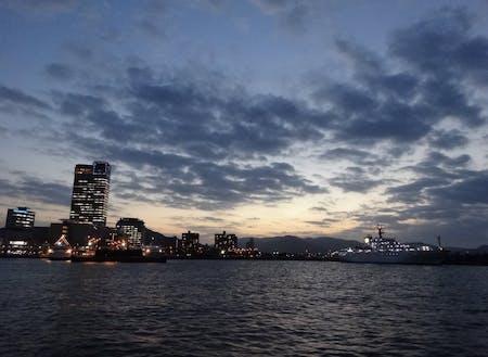 女木島からすぐの高松港