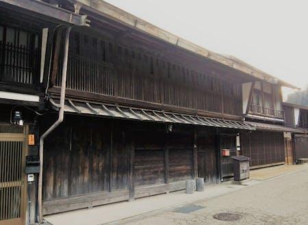 伝統的な外観の古民家物件です。