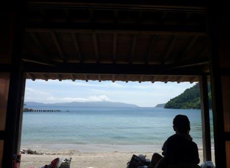 のんびりと海を眺める