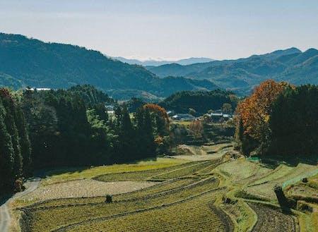 歴史の深い里山であり大阪の都市圏まで1時間弱で消費者とも近い