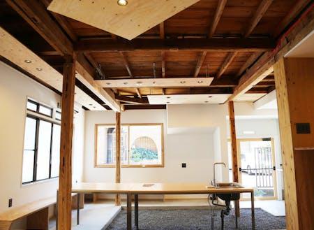 キッチンは可動式なので、空間を広々使えます