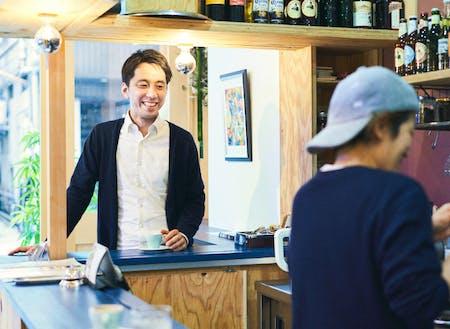 2012年にオープンしたカフェ「RoCA」は、2017年から「シェア店舗RoCA」へ業態を進化させました。