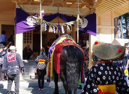 滝沢市の鬼越蒼前神社で馬の無病息災への祈願