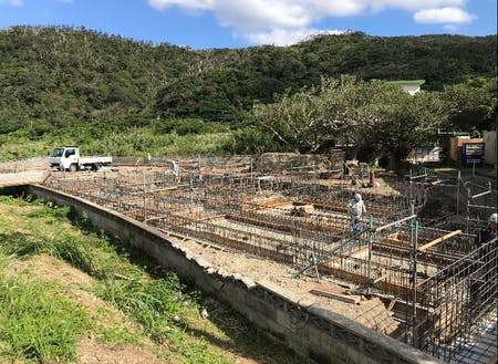 着々と進む拠点施設の建設工事
