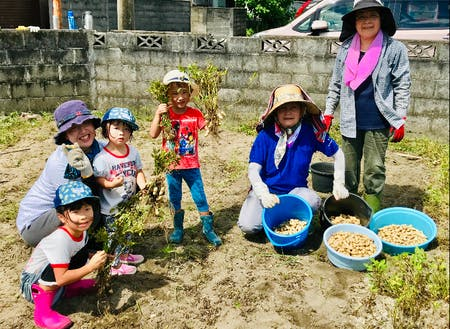 子供達も一緒に農業体験プログラム開発