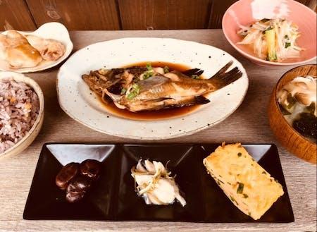 豊島で提供している夜のおまかせ定食