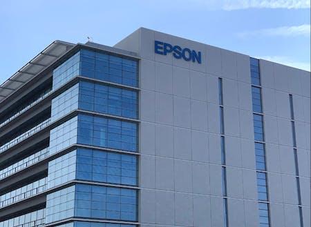 長野県塩尻市にあるセイコーエプソン株式会社の広丘事業所。2019年には、イノベーションセンターB棟が稼働開始している。