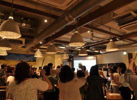 毎年東京で行っているアスパラを食べるイベントの様子