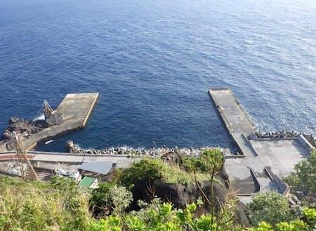 島唯一の港、三宝港