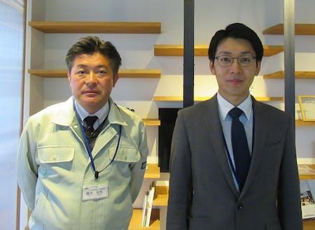企画部地域振興課の鵜木さん(左)と溝尻さん(右)