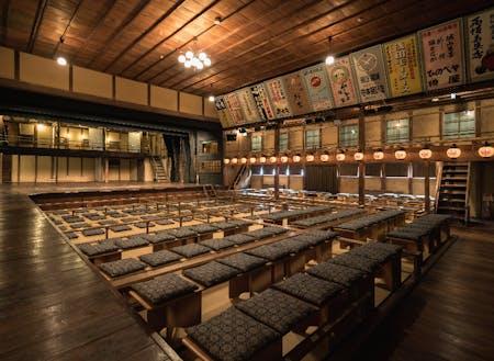 近畿最古の芝居小屋「永楽館」も出石の名物