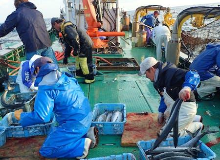 船上は漁師の戦場