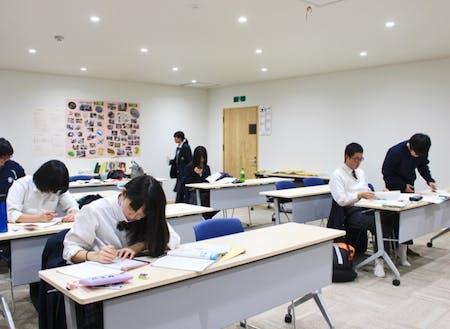 心志塾で学ぶ生徒たち