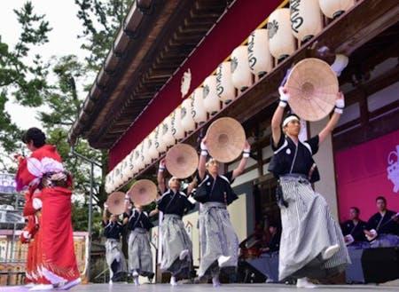 毎年多くのお客様を迎える伝統芸能【城端麦屋祭】