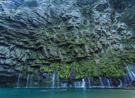 """""""雄川の滝""""はインスタグラム映えするとして近年人気のスポットです。"""