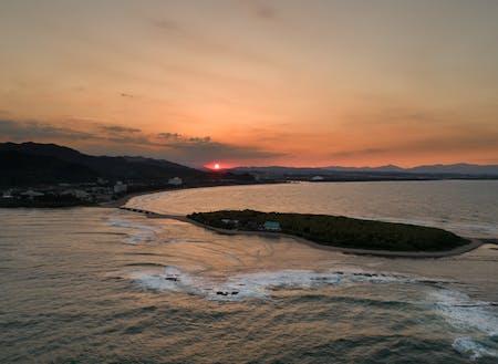 青島の夕日。宮崎の空は毎日違う表情を見せてくれます。