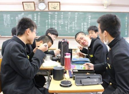 素直で元気な生徒たちと共に学び、共に成長する公営塾を目指しています!