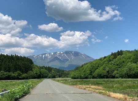 雫石町から望む岩手山
