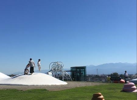 人気スポット・富山県美術館屋上広場
