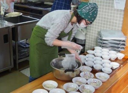 保育園給食調理の様子(子ども・子育て)