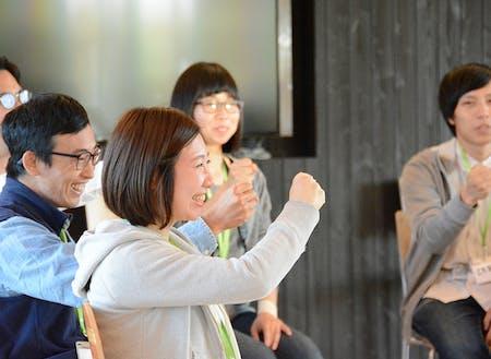 """『下川町~自然に囲まれた、日本屈指の先進地域』""""循環型森林経営""""を推奨し、昨年ジャパンSDGsアワードで内閣総理大臣賞を受賞し日本中の注目を集める町。20年以上前から移住者を多く受け入れ、現在ローカルビジネスを立ち上げようとする起業家が集まり始めている。"""