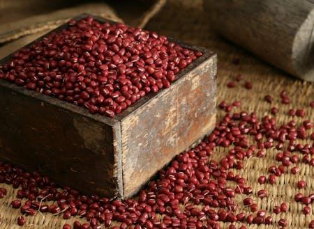 全国的に有名な丹波の特産品:大納言小豆、黒大豆、丹波栗