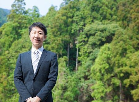 野地木材工業の専務取締役・野地 伸卓氏。