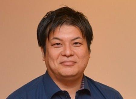 講師の前田茂雄氏