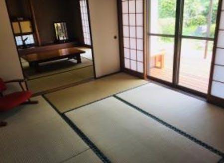 和室から繋がるウッドデッキでお庭を見ることができます☆