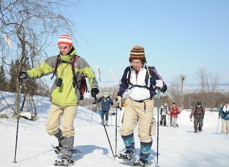 スノーシューで冬山ハイキング