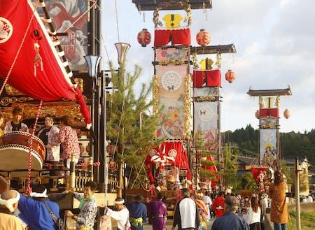 連日のように各集落ごとに開催されるキリコ祭りも併せて楽しめます。