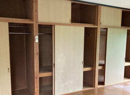 2階は壁面がまるごと収納スペースです