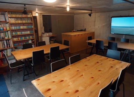 会場は鎌倉・材木座の「Le Garage Kamakura (ガラージ鎌倉)」です