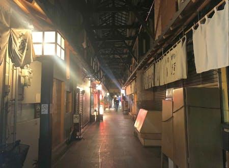 日本最古の木造市場「ふれあい公設市場」